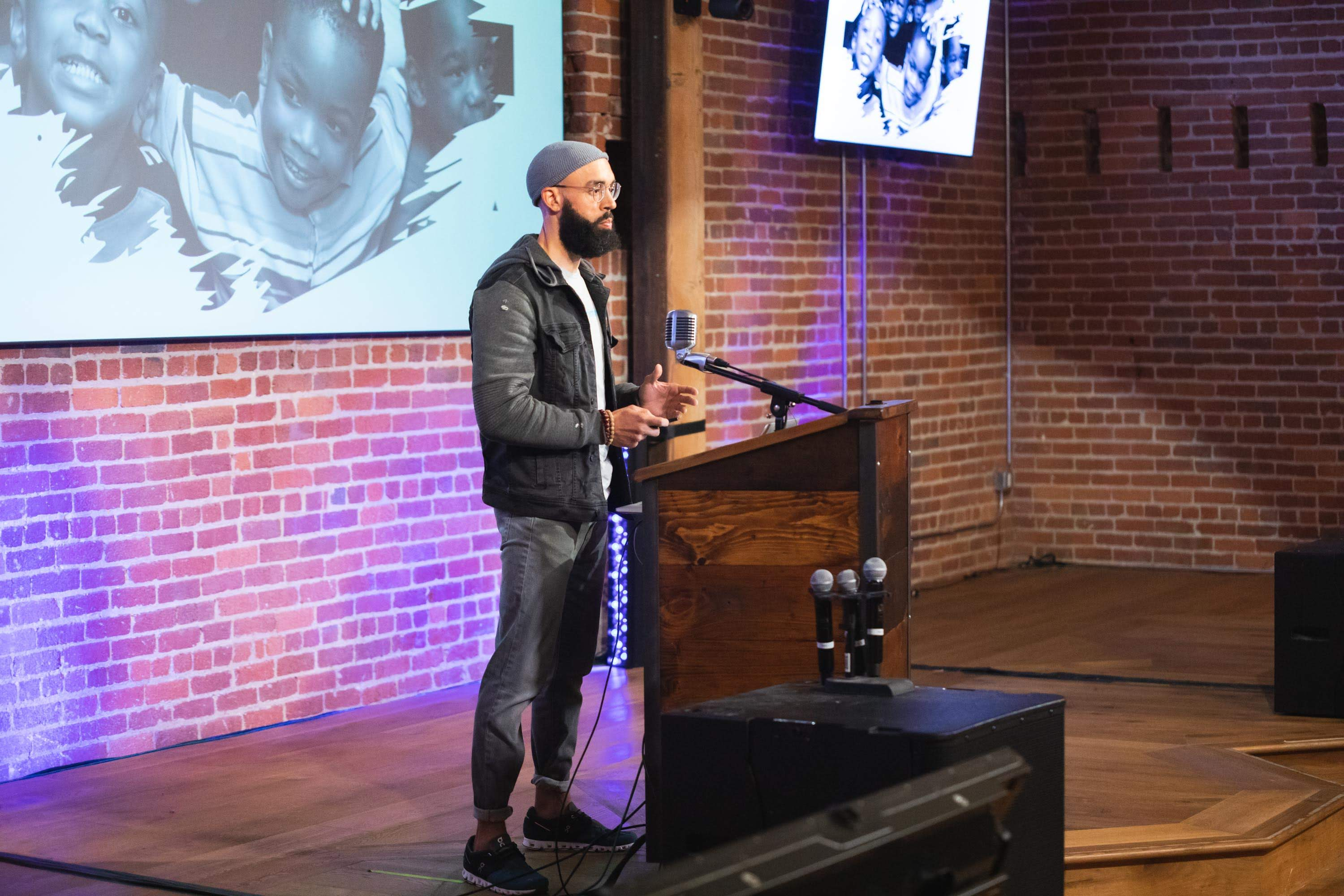 DeMar Pitman, Founder of Discriminology, pitching at Fast Forward Demo Day 2019 | Photo credit: David Dines