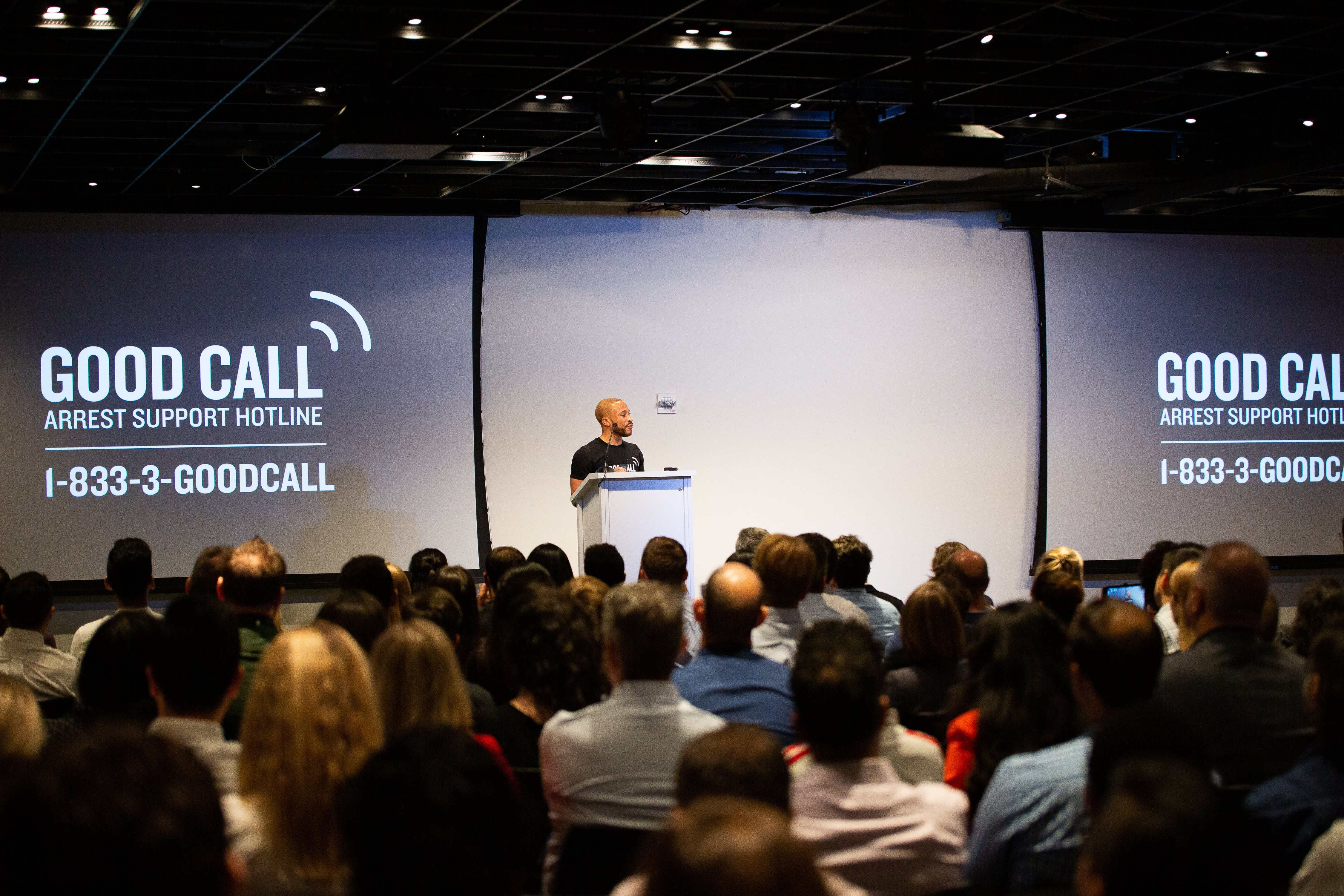 Jelani Anglin, Co-Founder of Good Call, pitching at Fast Forward Demo Day 2019 | Photo credit: Hayley Day